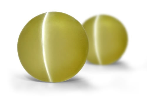 Cat's eye chrysoberyl displays a chatoyant, cat's eye effect