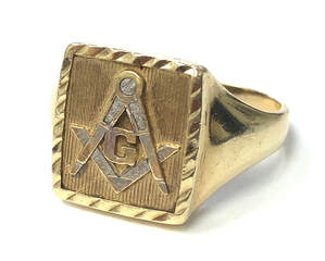 Vintage Masonic square & compasses ring in 14K gold