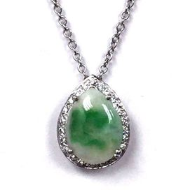 4.30 ct mottled jadeite jade pear shape cabochon and diamond pendant necklace in 18K white gold